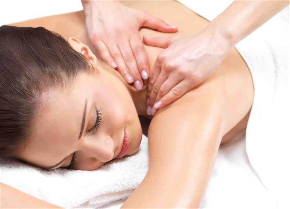 VTCT Diploma in Massage Therapy Courses Level 3 in London, Students ...